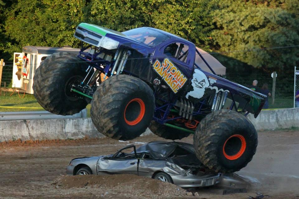 monster truck raceing